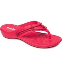 women's minnetonka silverthorne prism flip flop, size 8 m - red
