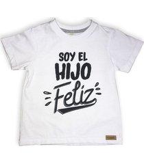 camiseta color blanco con texto estampado
