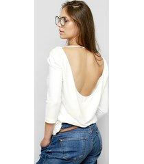 biała bluzka kala z odkrytymi plecami