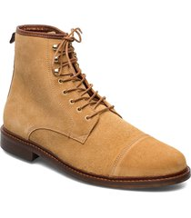 stb-curtis s snörade stövlar brun shoe the bear