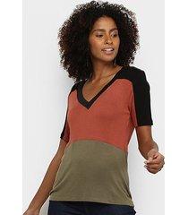 camiseta acostamento gola v feminina - feminino