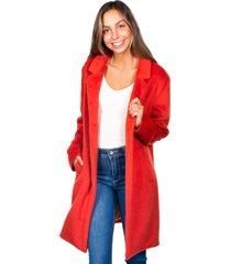 abrigo largo con botones rojo efesis