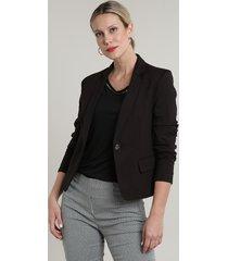 blazer feminino básico com bolsos e botão preto