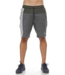 pantaloneta tipo jogger, color verde, para hombre