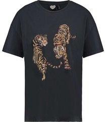 t-shirt roaring tiger black