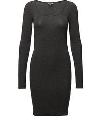 hanna knälång klänning grå mbym