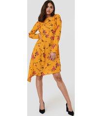 na-kd asymmetric long sleeve frill dress - multicolor