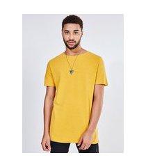 camiseta alongada com costura contrastante