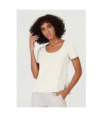 blusa feminina básica manga curta em tecido