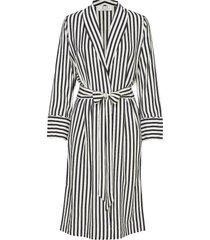 hampton kimono kimonos svart elle style awards collection 2019