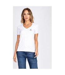 blusa t-shirt bloom decote v estampa à mão