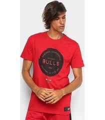 camiseta new era chicago bulls essentials stamp masculina