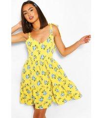 bloemen swing jurk met ceintuur en geplooide zoom, citroen