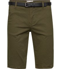 aop chino shorts w. belt shorts chinos shorts grön lindbergh