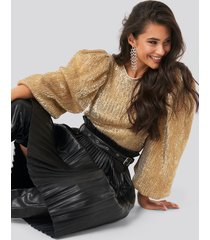 na-kd party puff sleeeve sequin blouse - gold
