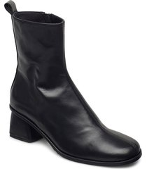 olivia shoes boots ankle boots ankle boot - heel svart nude of scandinavia