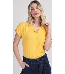 camisa feminina com bolso manga curta amarela
