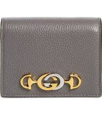 women's gucci655 leather wallet on a chain - grey