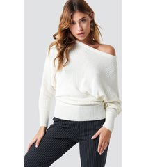 na-kd off shoulder knitted sweater - white