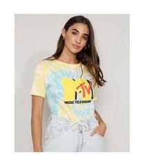 camiseta feminina manga curta estampada tie dye mtv decote redondo multicor