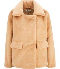 fake-fur-jacket
