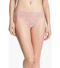 women's hanky panky regular rise lace thong, size one size - pink