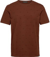 classic jersey crewneck tee with all-over pattern t-shirts short-sleeved brun scotch & soda