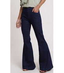 calça jeans feminina flare cintura super alta com martingale azul escuro
