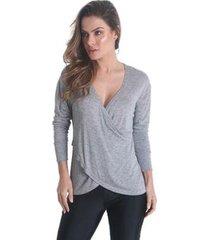 blusa manga longa transpassada na frente soft feminina - feminino