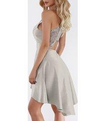 dobladillo irregular en la espalda con adornos de encaje y recortes grises vestido