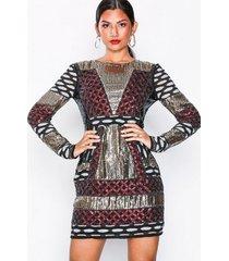 nly eve beaded pattern dress paljettklänningar
