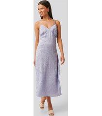 na-kd trend satin wrinkle dress - purple