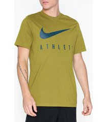 nike m nk dry tee db athlete tränings t-shirts moss