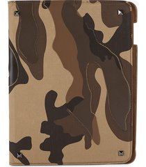 valentino garavani men's camouflage-print ipad case - brown