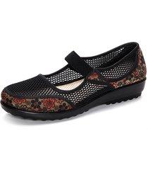 loafers in mesh respirabile con stampa floreale a grande talgia con zeppa bassa