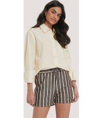 na-kd trend linen look drawstring shorts - brown