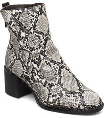 woms boots shoes boots ankle boots ankle boots with heel grå tamaris