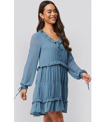 na-kd boho multi frill flowy mini dress - blue