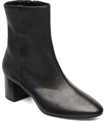 plan low rounded bootie shoes boots ankle boots ankle boots with heel svart apair
