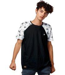 camiseta raglan estampada pã¡ssaros andorinhas - preto - masculino - dafiti