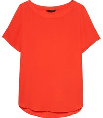 blusa crew high low tee rojo banana republic