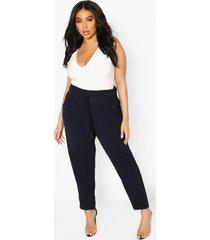 geplooide broek met wijde pijpen en riem met hoge taille in plusmaten, marineblauw