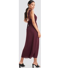 na-kd party thin strap lace back dress - red