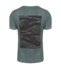 camiseta masculina camuflado costas - verde