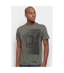 camiseta suburban estampa geométrica masculina