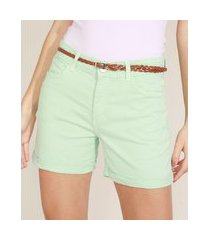 bermuda de sarja feminina cintura alta com barra dobrada e cinto verde claro