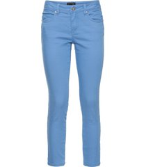 pantaloni elasticizzati cropped (blu) - bodyflirt