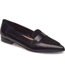 alexandra ii sand reptile / black suede nappa loafers låga skor svart flattered