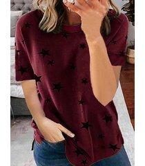 camiseta de manga corta con cuello redondo y estampado de estrellas