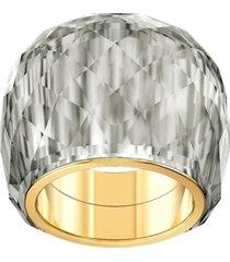 anillo swarovski nirvana, gris, pvd en tono oro